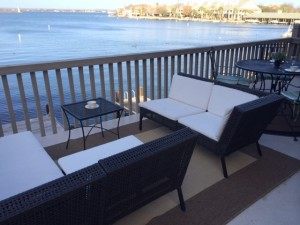 upper patio deck horseshoe bay rental